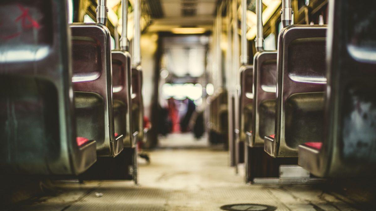 Wynajem busa czy autokaru w Krakowie? Co się bardziej opłaca?