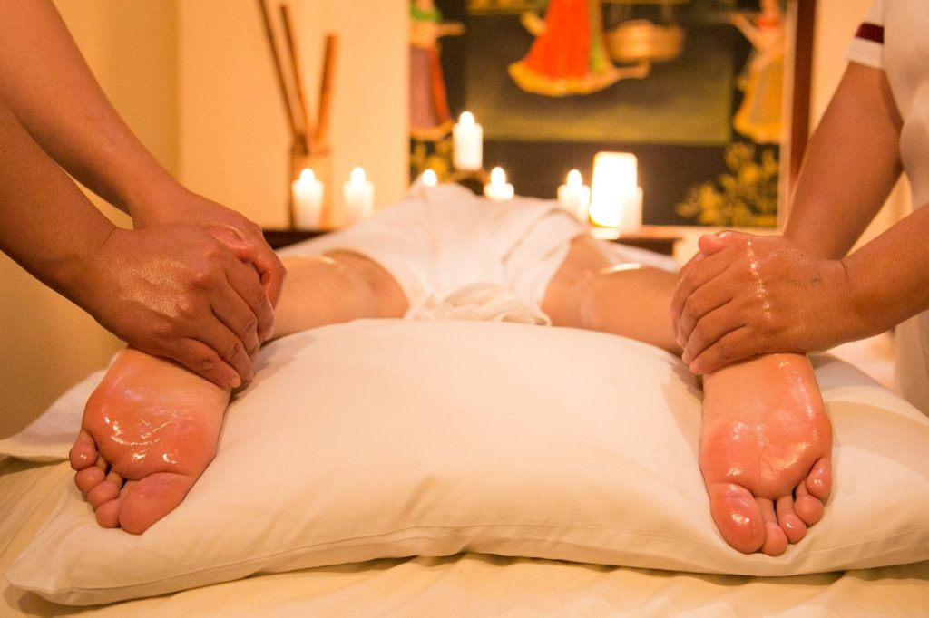 Doskwiera Ci uczucie ciężkich, zmęczonych nóg Tajski Masaż Ci pomoże